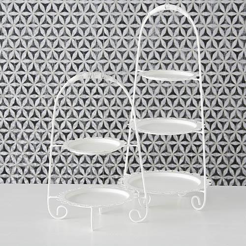 Etagere LISBETH weiß aus Metall 3-stöckig verzierter Tellerrand Kuchenetagere